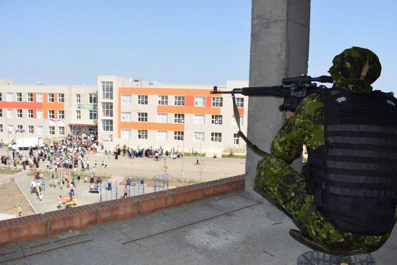 Более трехсот сотрудников Нацгвардии обеспечивали безопасность в Дагестане в День знаний