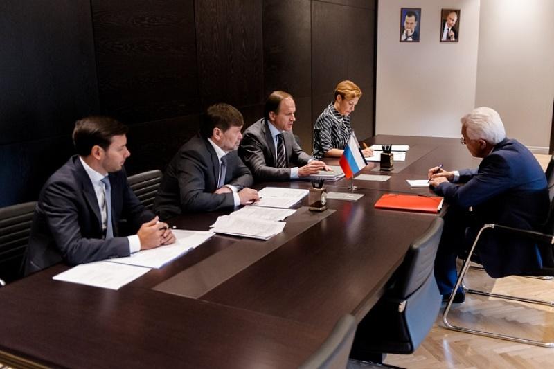 Владимир Васильев и Лев Кузнецов обсудили вопросы социально-экономического развития Дагестана