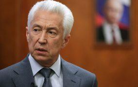Владимир Васильев поздравил Рамазана Абдулатипова с новым назначением