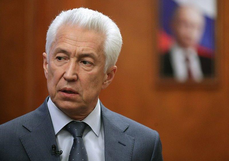 Владимир Васильев обратился в прокуратуру с просьбой проверить жилые объекты, построенные в охранной зоне газопровода