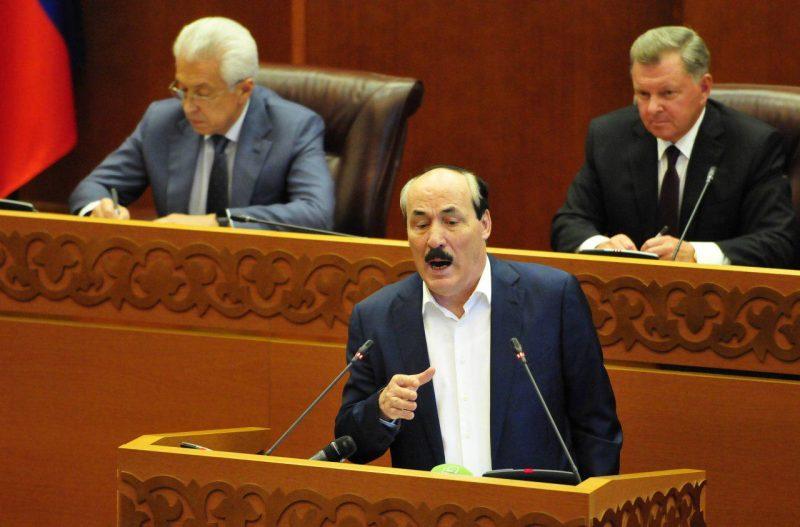 Экс-глава Дагестана раскритиковал чиновников,