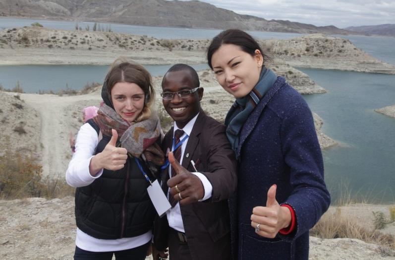 Иностранные участники Всемирного фестиваля молодежи и студентов посетили Сулакский каньон