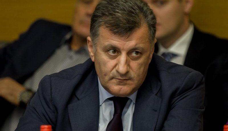 Умахан Умаханов предложил Владимиру Васильеву проверить все министерства и ведомства