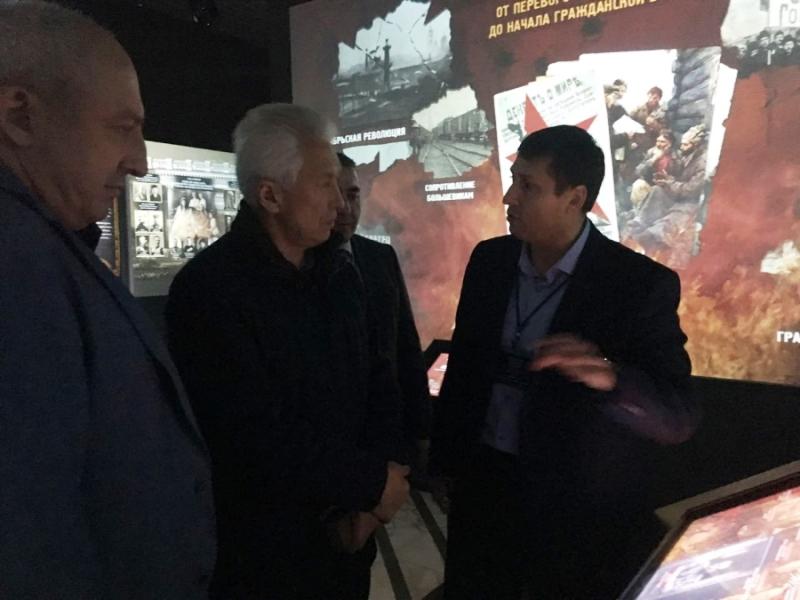 Глава Дагестана посетил музей «Россия – моя история»
