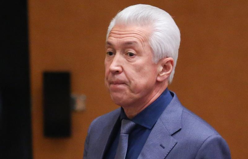 Владимир Васильев поручил разобраться с ситуацией на таможенном посту