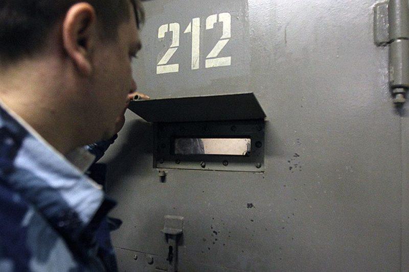 СКР: Замначальника колонии в Дагестане за деньги покровительствовал заключенному