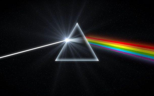 Пассажиры авиарейса из Махачкалы наблюдали кольцевую радугу