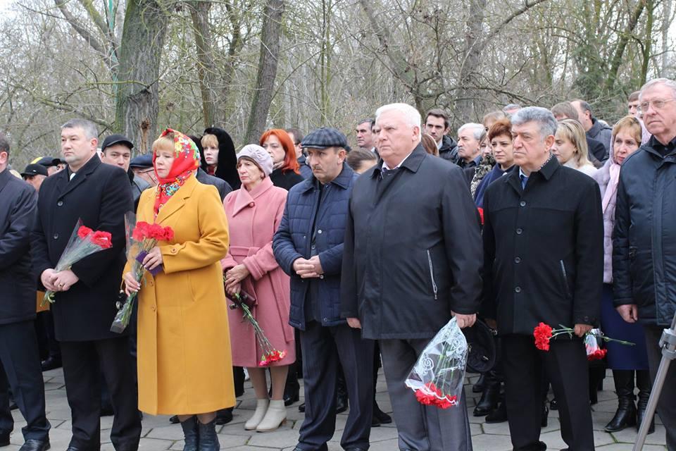В Кизляре почтили память жертв нападения банды Радуева