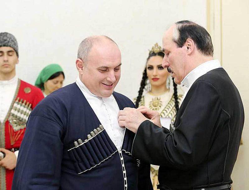 Рамазан Абдулатипов вступился за мэра Махачкалы