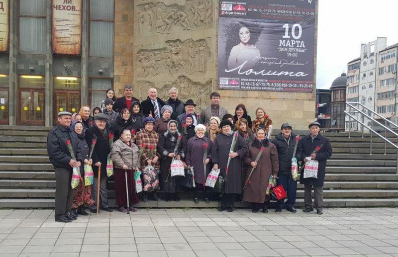 «Автобус добра» проехался по Махачкале и Каспийску