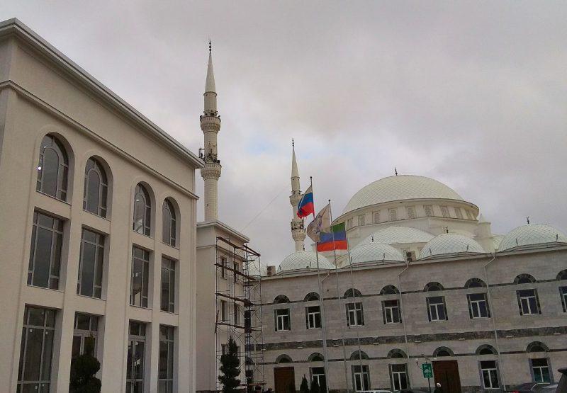 Муфтият Дагестана осудил нападение на прихожан кизлярского храма