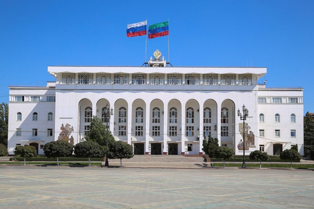 Артем Здунов уволил чиновников из четырех министерств