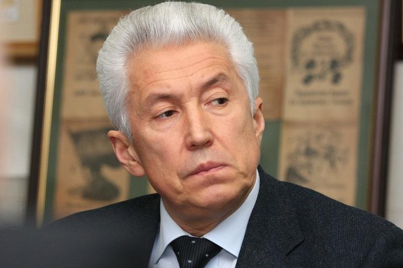 Владимир Васильев занял третье место в февральском рейтинге губернаторов РФ