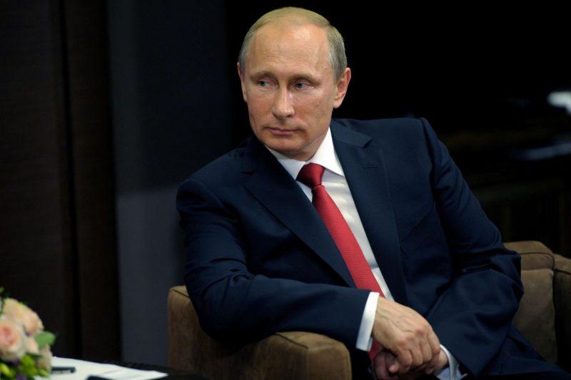 Владимир Путин стихами поздравил женщин с 8 марта (видео)