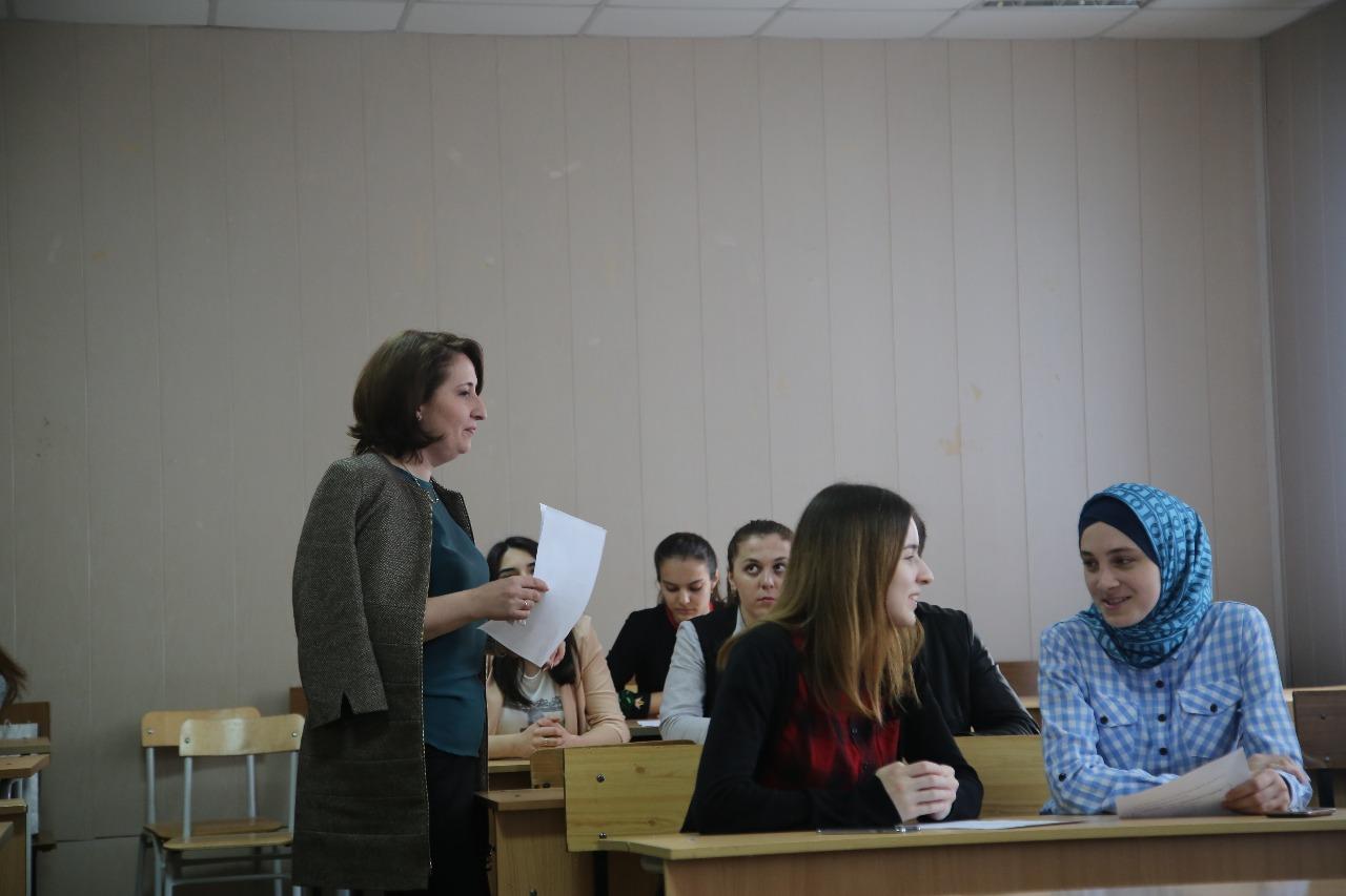 В ДГУ проходят языковые курсы для волонтеров ЧЕ-2018 по борьбе