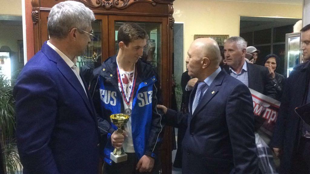 Третий призер Всероссийской олимпиады школьников прилетел в Махачкалу