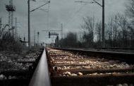 Следователи выясняют обстоятельства гибели 10-летней девочки на железной дороге