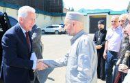 Владимир Васильев навестил муфтия Ахмада-хаджи Абдулаева