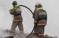 В Махачкале сгорел мебельный цех