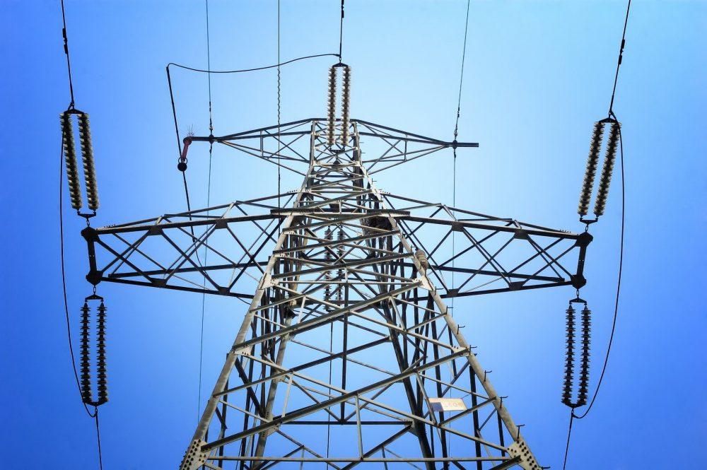 Энергетики проведут реконструкцию сетей в трех районах и двух городах Дагестана