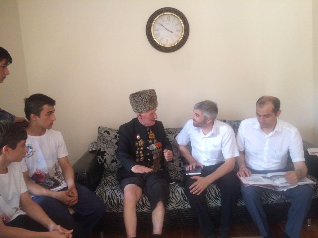 Волонтеры Победы встретились с участниками Курской битвы