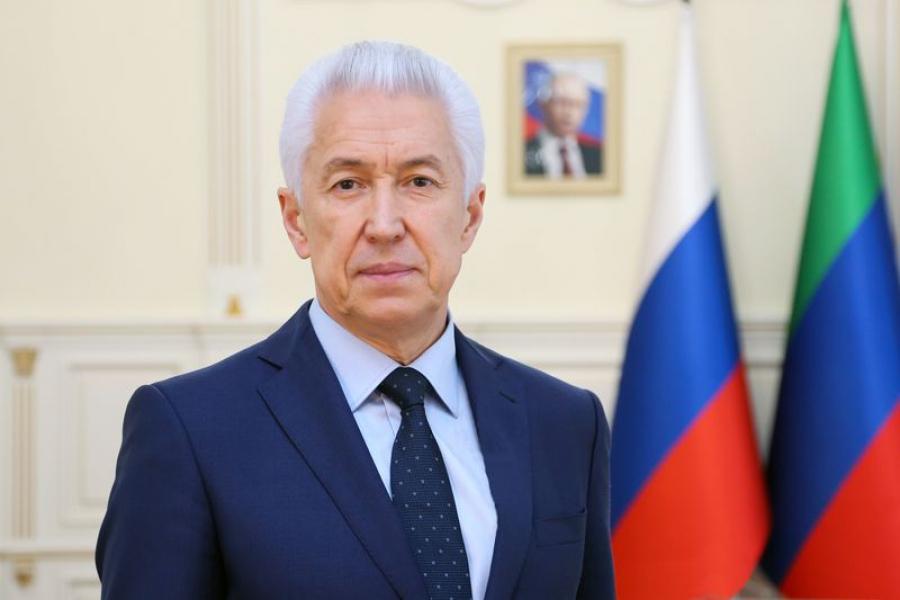 Владимир Васильев поздравил пожилых дагестанцев