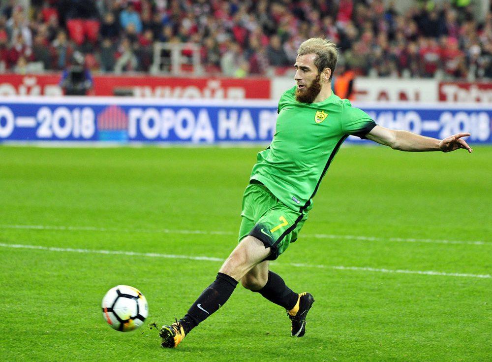 Игрок «Ахмата» Адлан Кацаев перешел в «Анжи»
