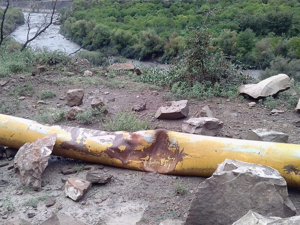Камнепад повредил газопровод в Цумадинском районе (фото)