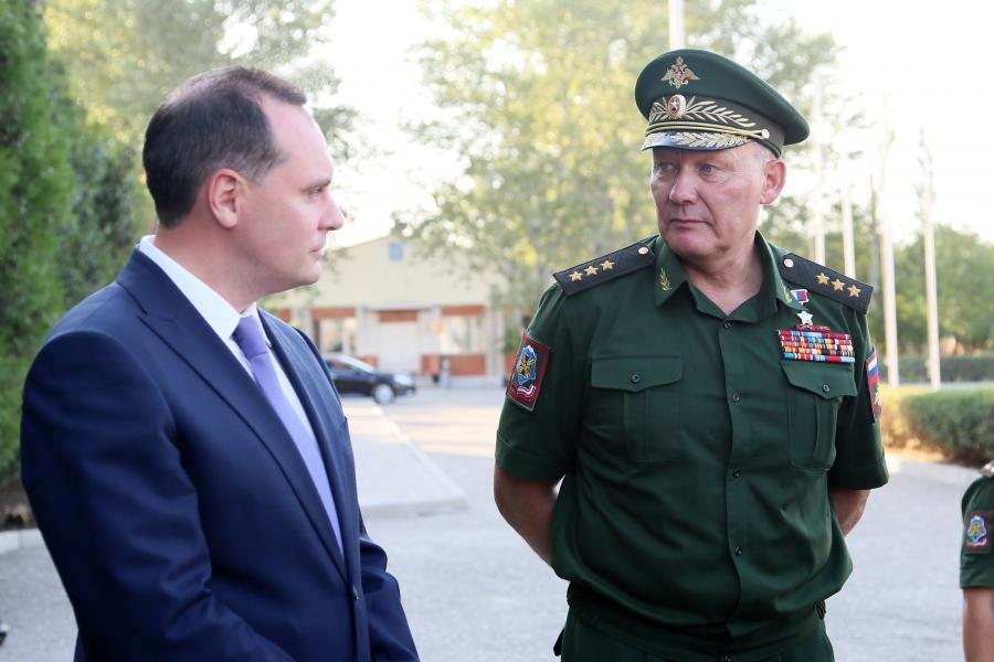 Артем Здунов встретился с командующим войсками Южного военного округа