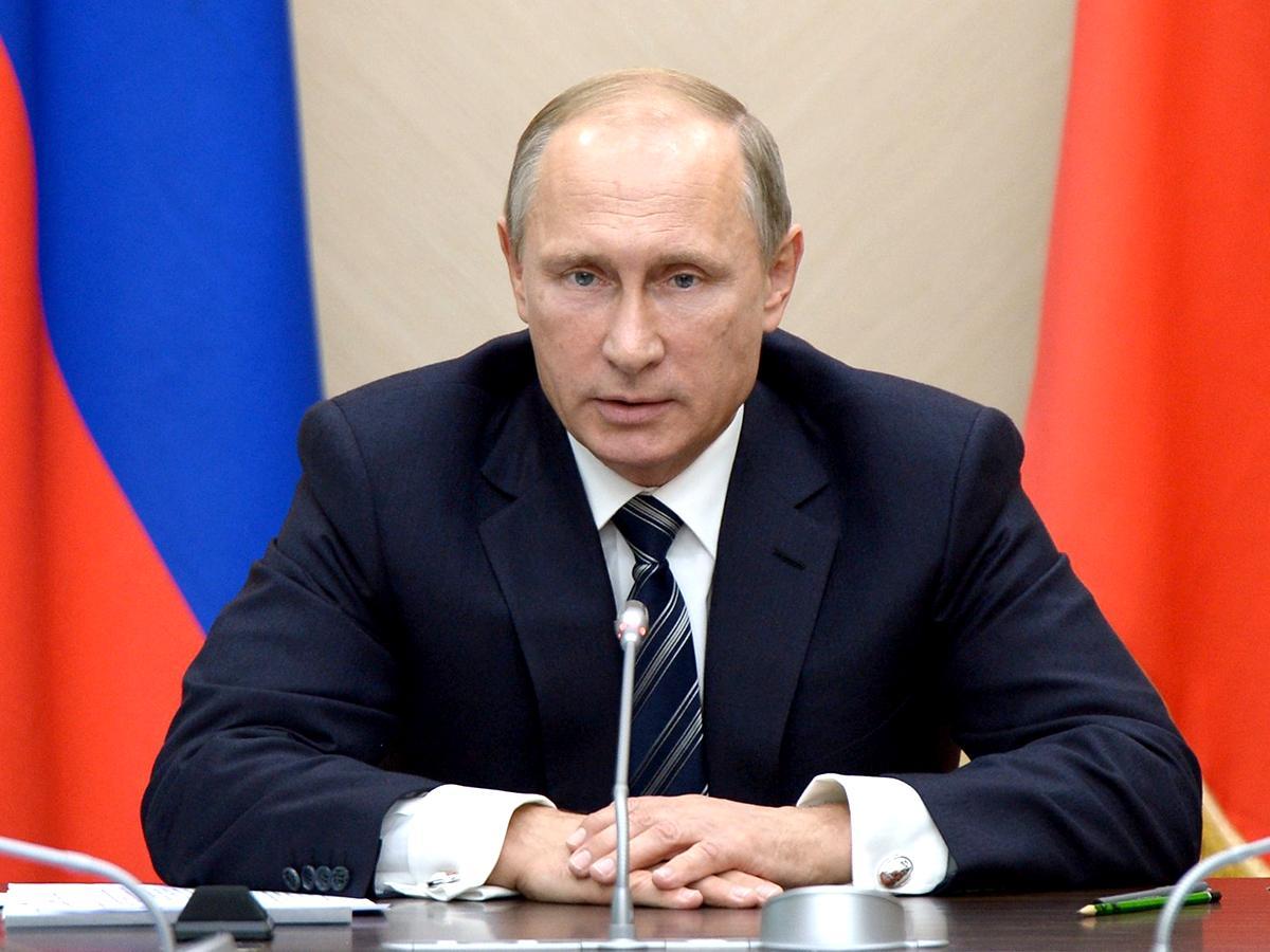 Владимир Путин внес в Госдуму пакет поправок к пенсионному законопроекту
