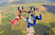 В Каякентском районе проходят соревнования по парашютному спорту