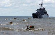 Один из утонувших на Каспии военных помогал сослуживцам выбраться из БТР