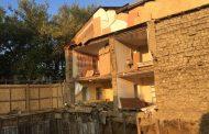 Котлован, из-за которого обрушилась стена дома в Махачкале, рыли с разрешения мэрии